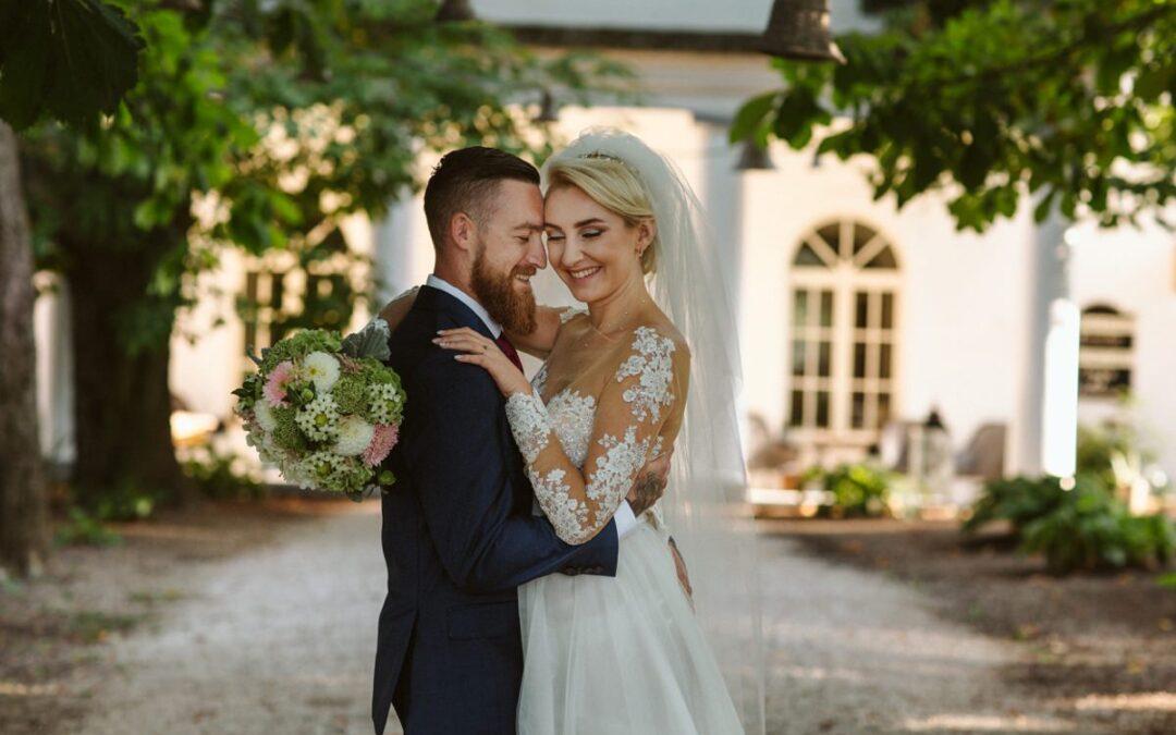 Viktorija + Mason – Destination Wedding Hungary