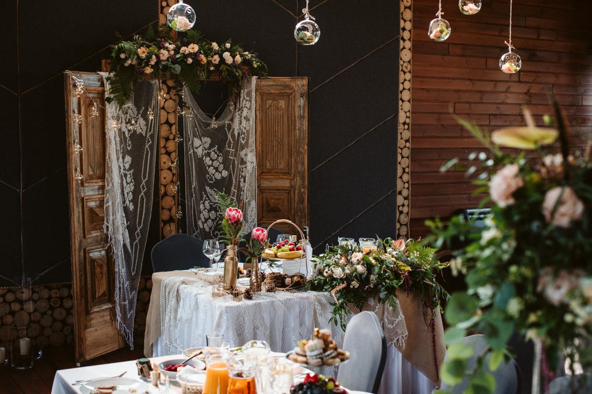 rustykalne wesele waltanie siwy dym
